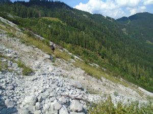 Kamenitá cesta ke Gablonzer Hütte