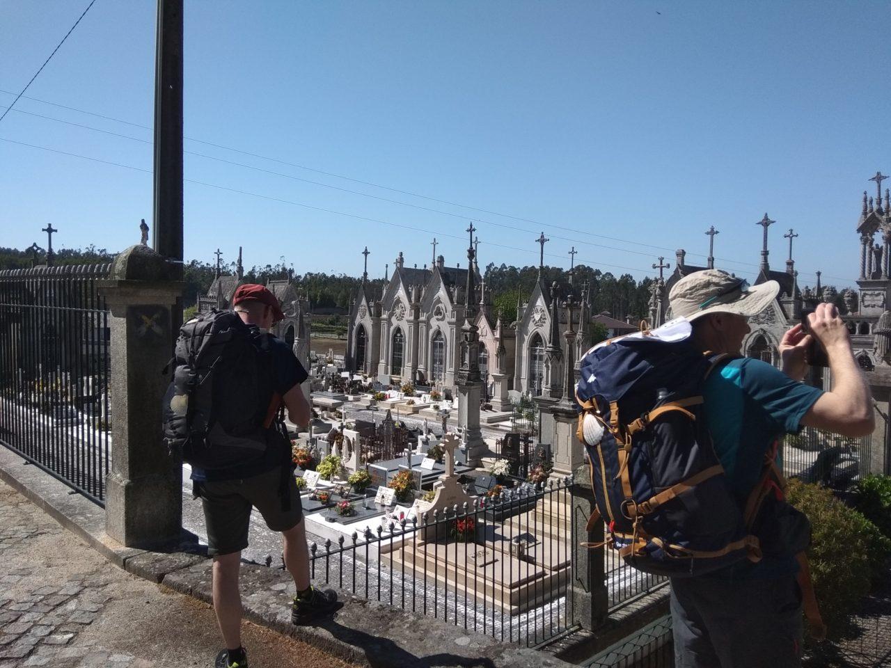 Hřbitov u albergue